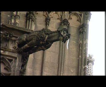 Allemagne, Cologne : au pied de la cathédrale