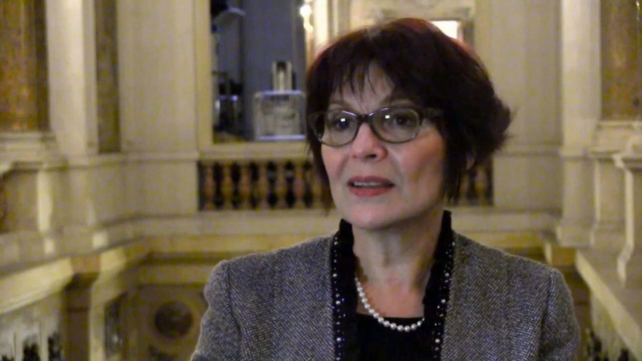 Nora Aceval, conteuse