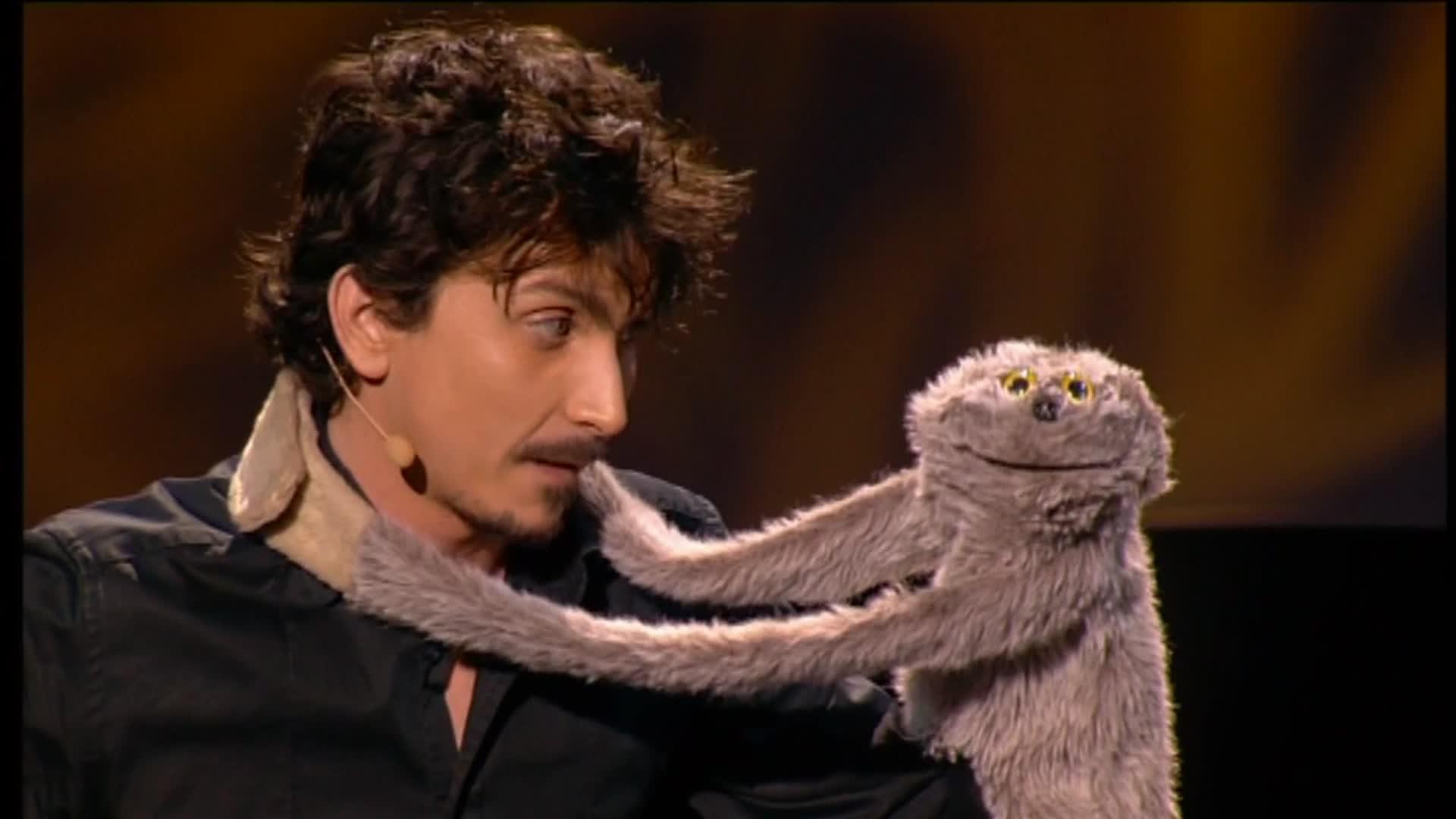 Arnaud Tsamère - La ventriloquie