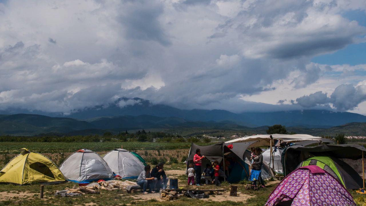 Des bénévoles au secours des réfugiés - Camille en Grèce - Les Haut-Parleurs