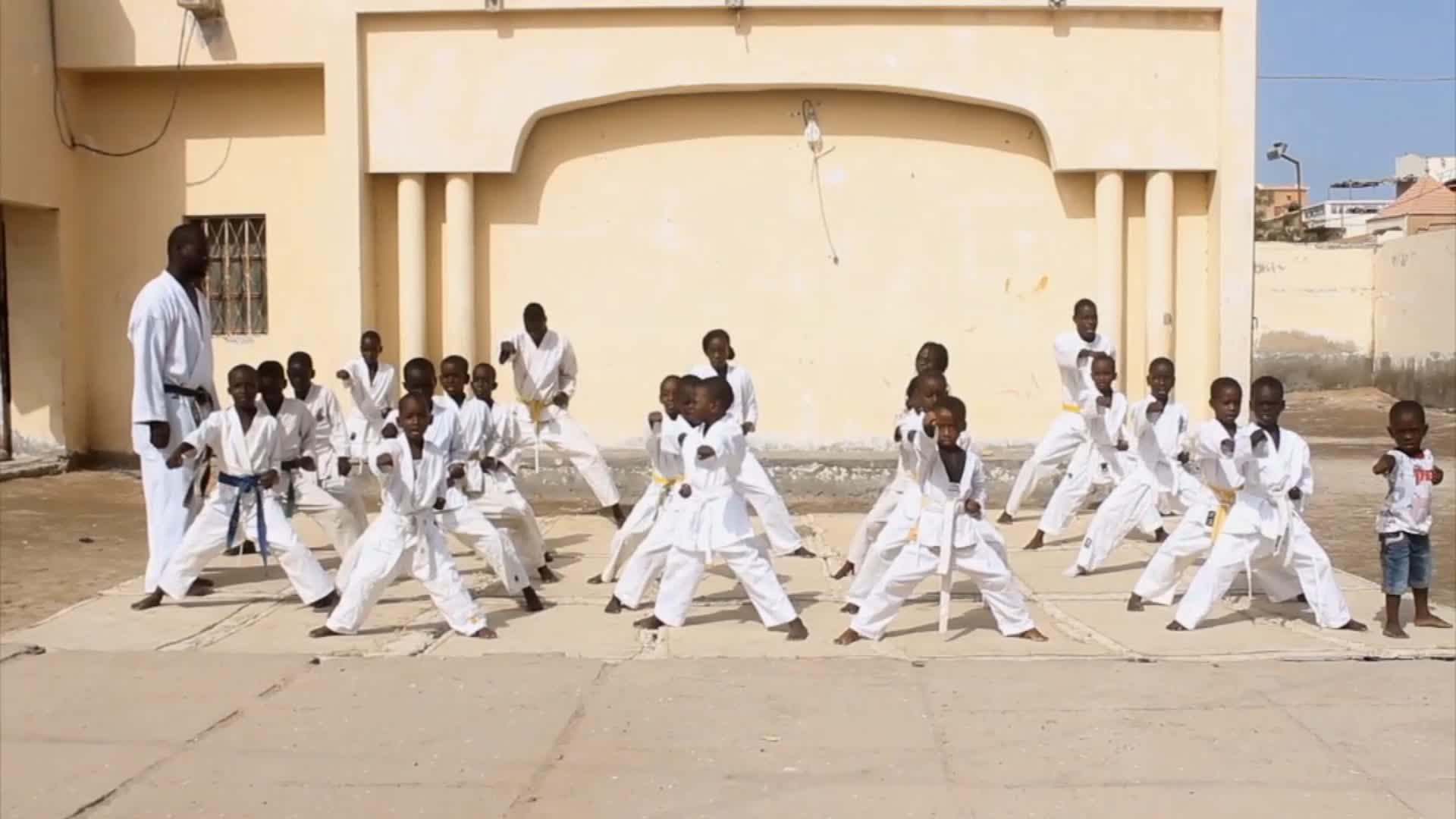École de Karaté : une arme contre la violence - Houleye en Mauritanie