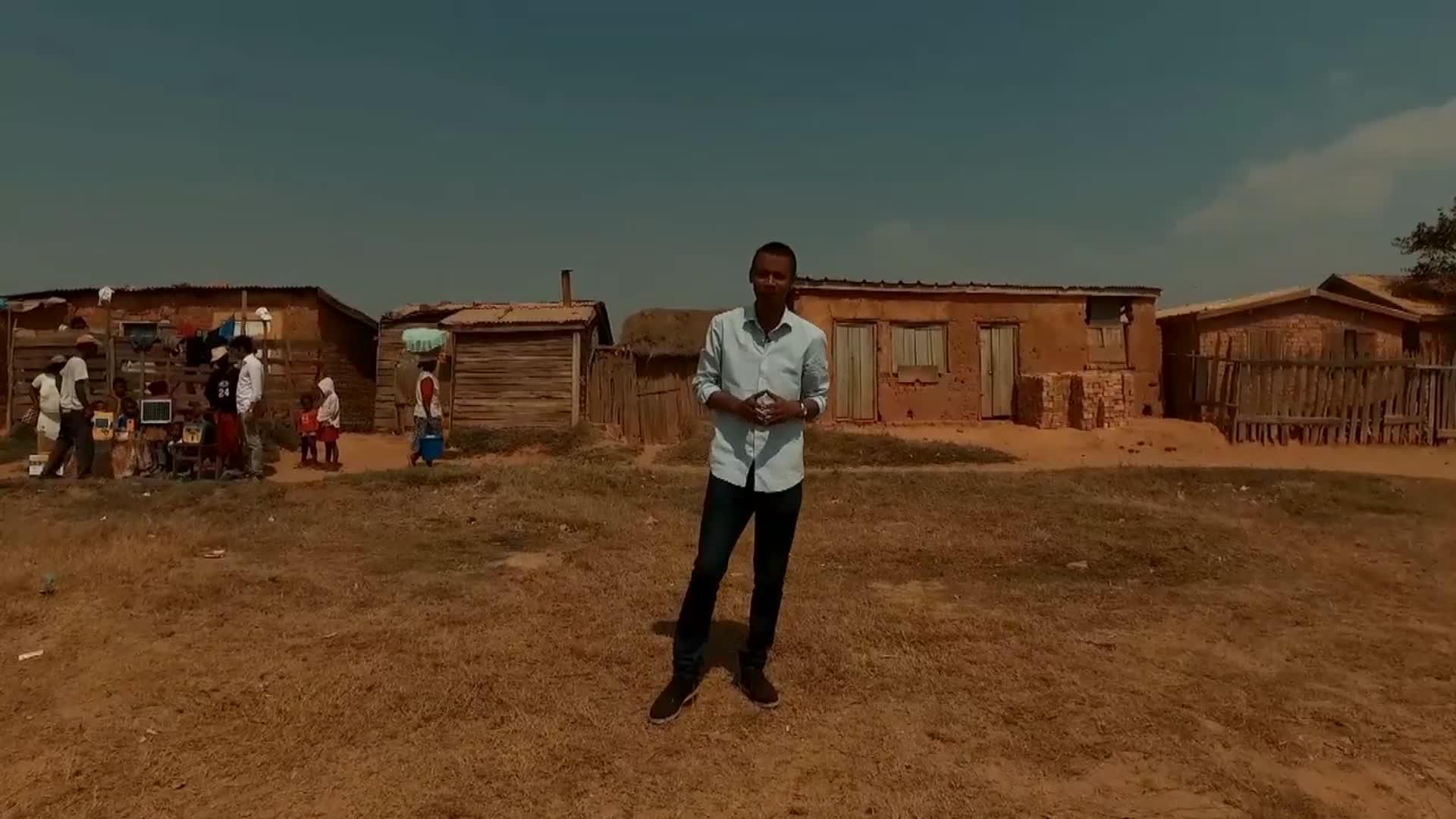 Madagascar: la start-up qui apporte l'électricité dans les villages - Andry  à Madagascar