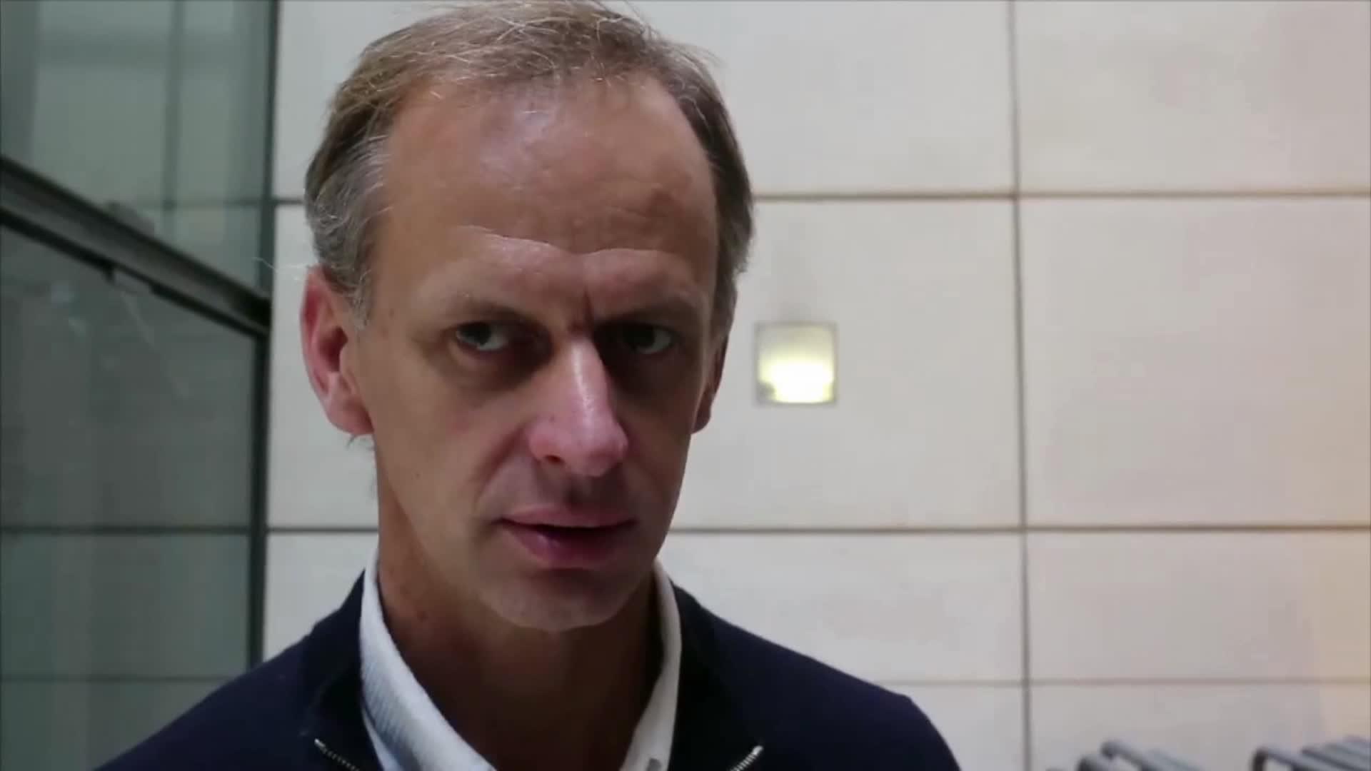 """""""L'enseignant poursuivi pour avoir aidé des migrants"""" - Coline en France"""