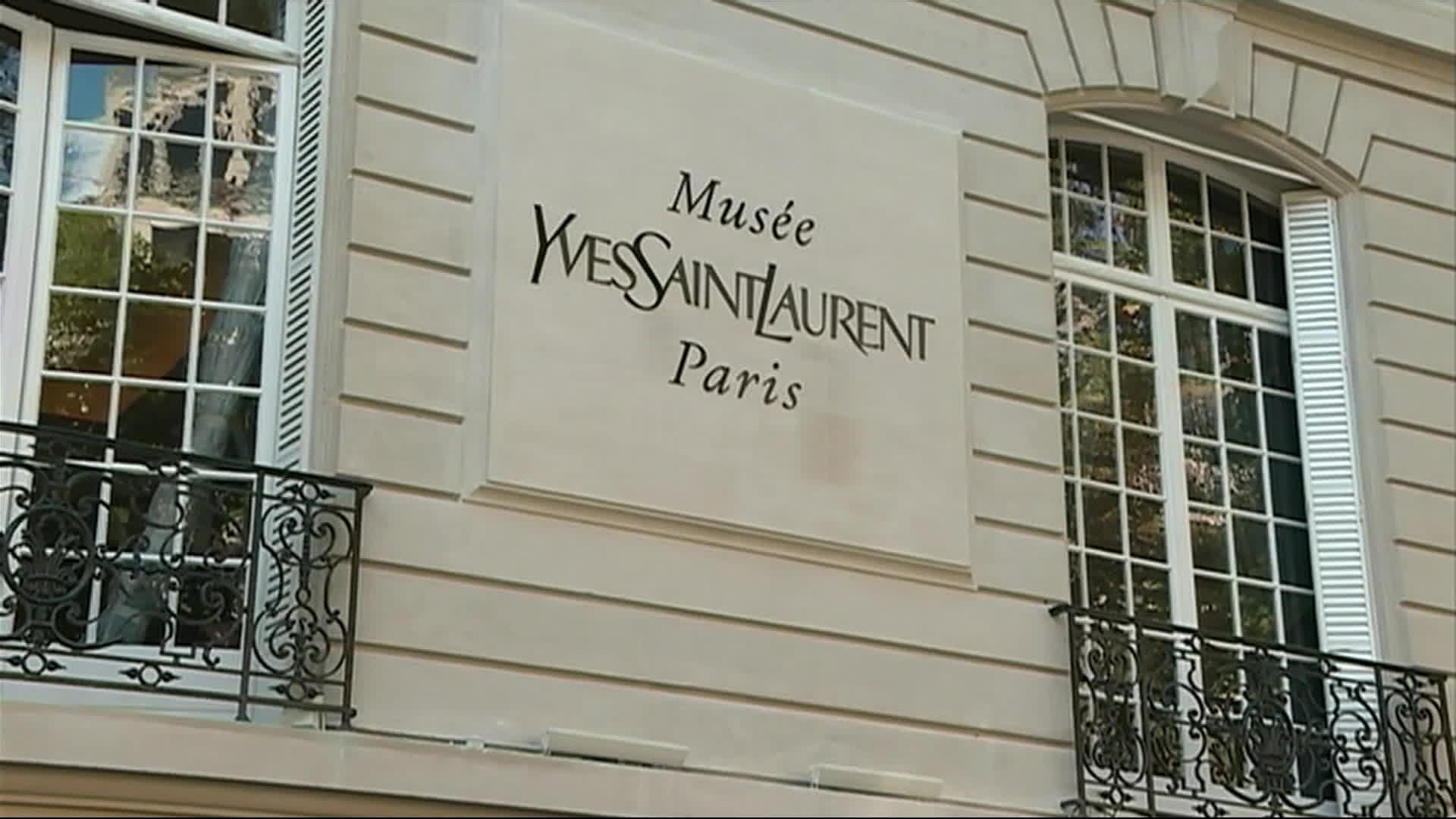 Vive la mode ! Avec Yves Saint Laurent